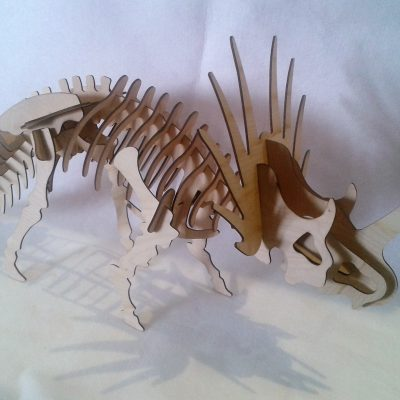 dinozaur z kryz¦ů - triceratops d+é 78cm wys 40 cm _cena 45_00 z+é_