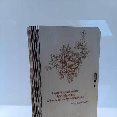 pudełko grawer róza